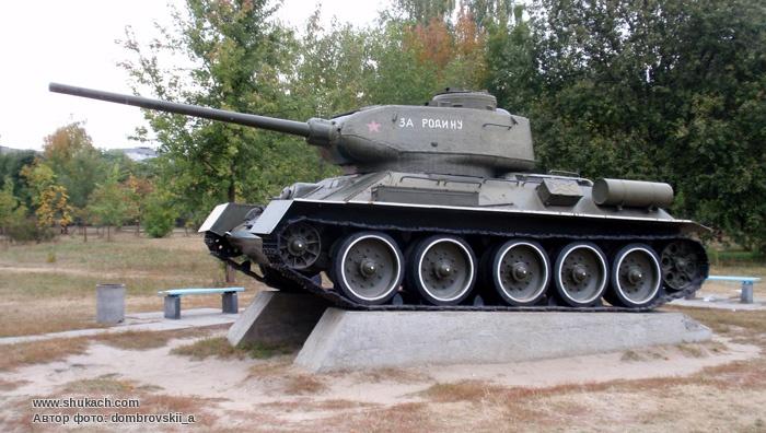 34 85 — советский средний танк периода