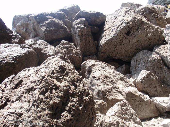 Опис.  Тропа Голицына берёт начало на юго-западном берегу Зелёной бухты (Судак-Лиман).