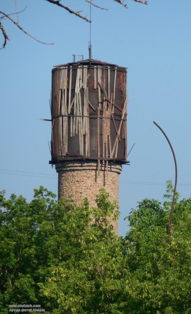 Водонапорная башня насосная станция для водоснабжения поселка
