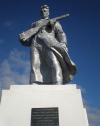 Памятник воинам 4-го украинского фронта (на северном берегу Сиваша)
