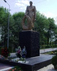 Братская могила советских воинов в г. Приволье (ул. Ленина)