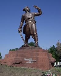 Памятник Булавину К.А. в с. Трехизбенка.