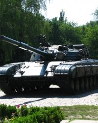 Танк Т-64 в г. Черкассы.
