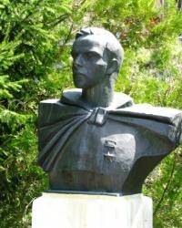 Пам'ятник бюст Харцівцю А.П. в с. Моринці