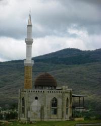 Мечеть Орталан Джамиси в с. Земляничное