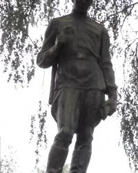 Пам'ятник радянським воїнам в с. Святопетрівське