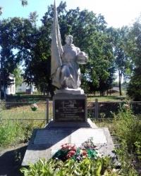 Пам'ятник радянським воїнам в с. Велика Березянка