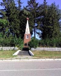 Пам'ятник воїнам односельчанам в с. Велика Березянка