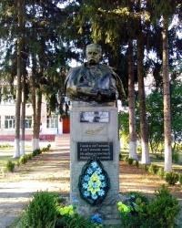 Пам'ятник Т.Г.Шевченку в с. Медвин