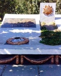 Пам'ятник працівникам Українського інституту садівництва в с.Новосілки