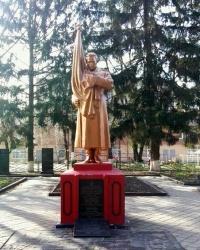 Меморіал радянським воїнам у місті Вишневе