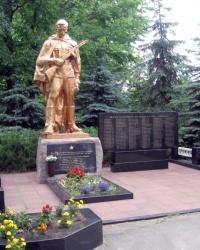 Пам'ятник на честь воїнів-односельців, с. Бобриця