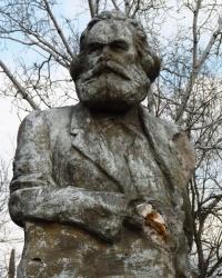 Памятник Карлу Марксу в Новоселовке