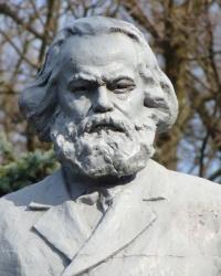 Памятник Карлу Марксу в Синельниково