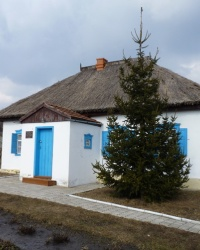 Літературно-меморіальний музей-садиба Олеся Терентійовича Гончара