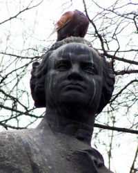 Памятник Ломоносову М.В. в Днепропетровске