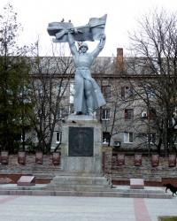 Памятник Воину-освободителю и галерея Героев Советского Союза кременчужан