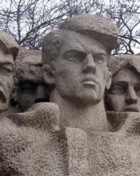 Памятник Г.П.Савченко в Днепропетровске