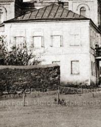 Мемориальная доска ул.Каунасская,1 (Дом криворожского аэроклуба) в г.Кривой Рог