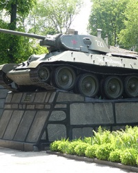 Памятник танк Т-34 в г. Глухов