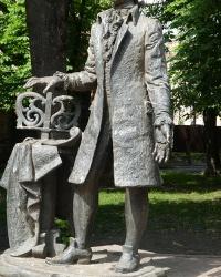 Памятник композитору Дмитрию Бортнянскому В г. Глухов
