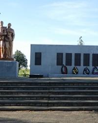 Памятник советским воинам-освободителям в с. Малая Лепетиха