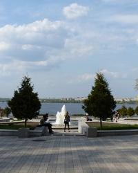 """Фонтан """"Каскад"""" со смотровой площадкой в Днепропетровске"""