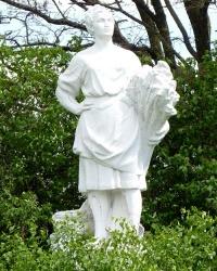 Памятник женщинам-труженицам в с.Олефирщина