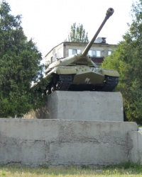 Памятник танк ИС-3 (пос. Всебратское) в г. Кривой Рог