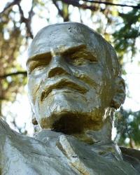 Памятник В.И.Ленину в с.Знаменка Вторая