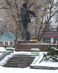 Памятник В. П. Чкалову в Днепропетровске
