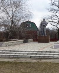 Братская могила и памятник воинам-освободителям с.Елизаветовка