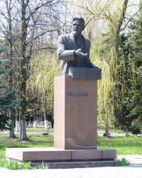 Памятник Калинину на территории  институтского городка ДИИТа г.Днепропетровск.