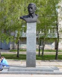 Памятник В.Ю.Клочко в Днепропетровске