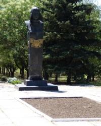 Бюст Осипенко П.Д в с.Осипенко (Бердянский р-н)