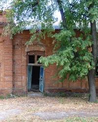 Здание Земской больницы (ХХв.) в с.Руновщина (Зачепиловский р-н)