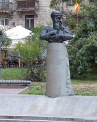 Памятник Махтумкули Фраги в Киеве