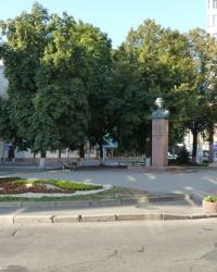 Памятник Иванову. А.В в Киеве