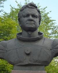 Памятник Кизиму Леониду Денисовичу в Красном Лимане