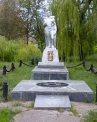 Братская могила в с.Украинка (Криничанский р-н)