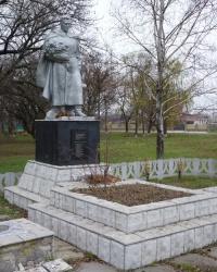Братская могила-2 в с.Дмитровка (Петропавловский р-н)
