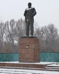 Памятник В.И.Ленину в пгт.Петрово