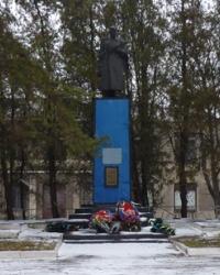Братская могила в с.Новый Стародуб (Петровский р-н)