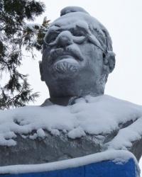 Памятник Г. И. Петровскому в с.Башмачка