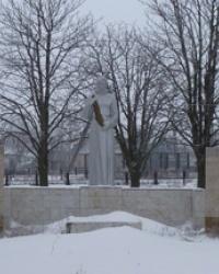 Памятник воинам-землякам в г.Верховцево