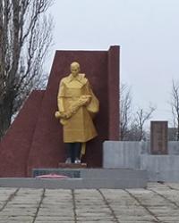 Мемориал советским воинам в с.Преображенка (Криничанский р-н)