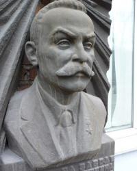 Памятный бюст Патона Е.О. в г.Днепропетровске