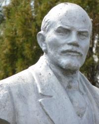 Памятник В.И.Ленину в с.Дерезоватое