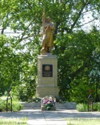 Памятник воинам-односельчанам в с.Цибульковка (Царичанский р-н)