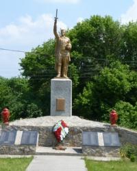 Памятник советским воинам в с.Канавы (Кобелякский р-н)